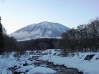 今日の黒姫山と鳥居川