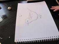 子供達がダイナミックに絵を描いていく様子にびっくり (ルイス サール 奈都世さん提供)