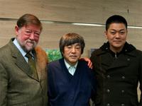 左から、ニコル、稲本氏、成澤氏