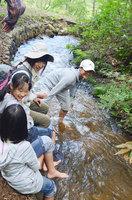 復興心の森 川遊び