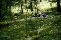 復興心の森8月 森の中のお昼寝