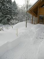 アファンセンター入り口の積雪は1mほど
